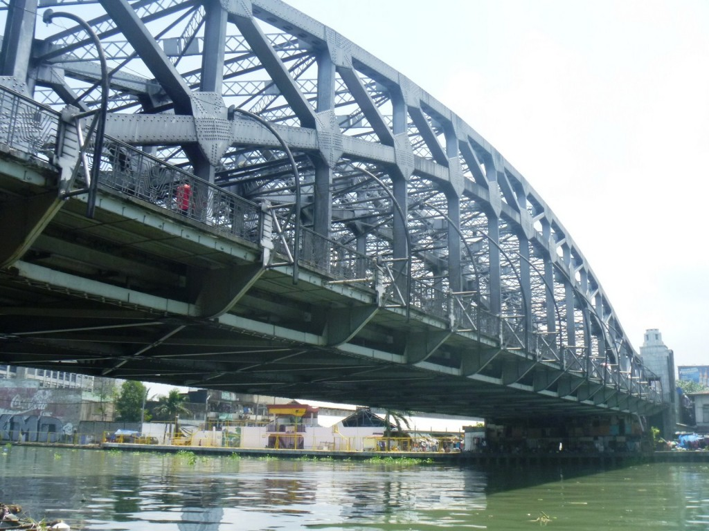 Quezon Bridge over the Pasig River
