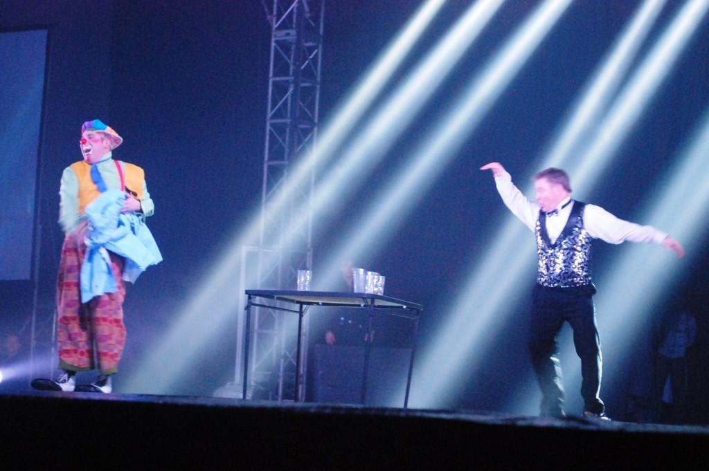 Matti the Clown and Jon Weiss doing a comedy skit