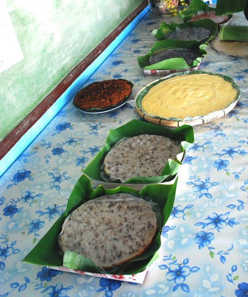 An array of kakanin from Brgy. Tinigbas