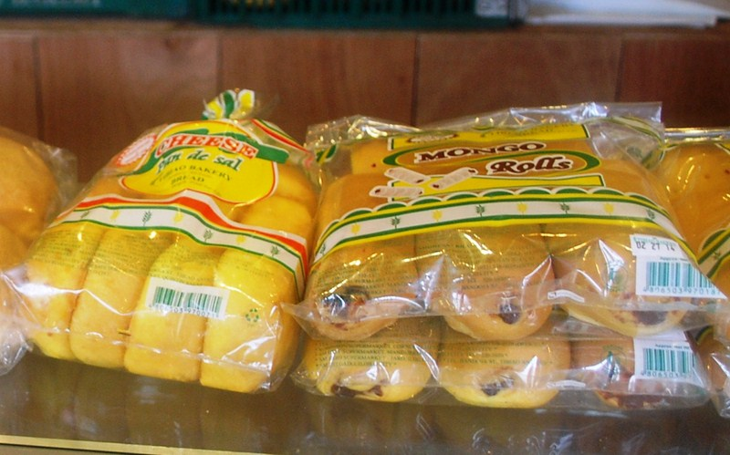 Chesse pan de sal and mongo rolls