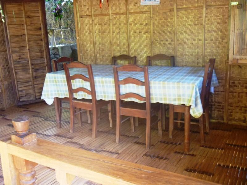 6-pax dining area