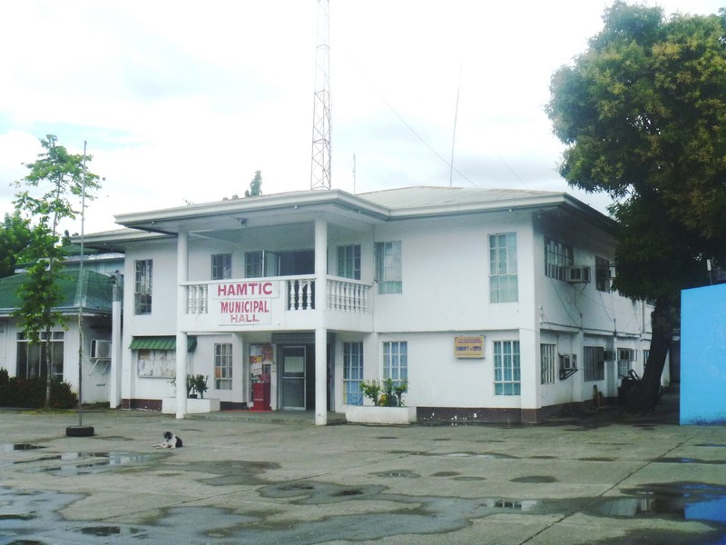 Hamtic Municipal Hall