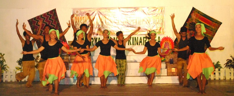The Teatro Burulakaw Dance Troupe