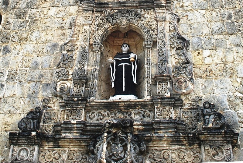 The image of the St. Nicolas of Tolentino in an elaborately carved niche