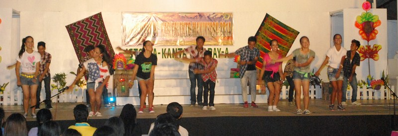 Teatro Burulakaw dancers in hip-hop mode