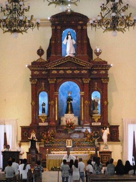 The altar retablo