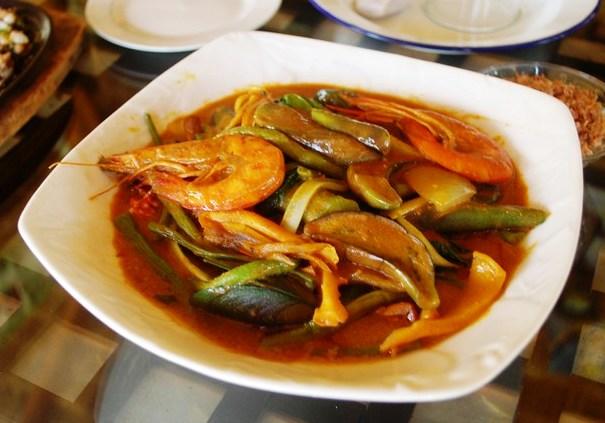Shrimp kare-kare