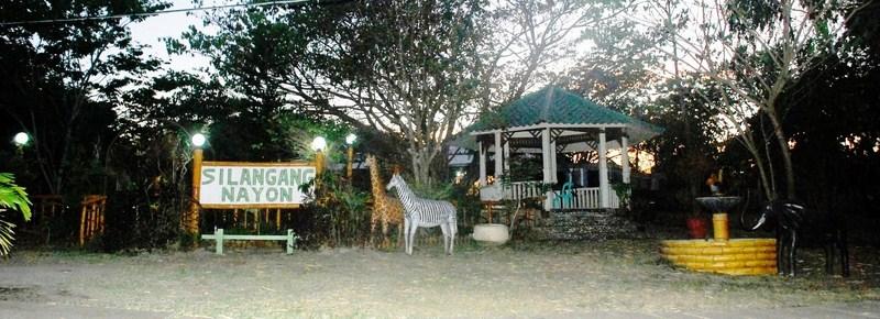 Silangang Nayon Park and Restaurant