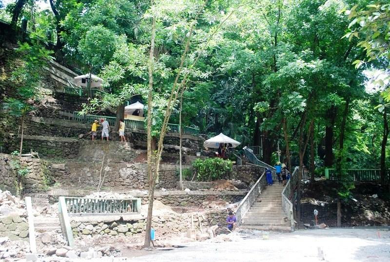 Hinulugang Taktak Falls (6)