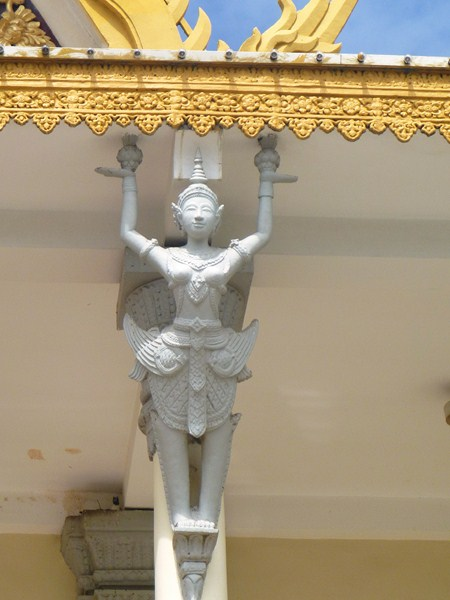 A garuda appearing to support the roof