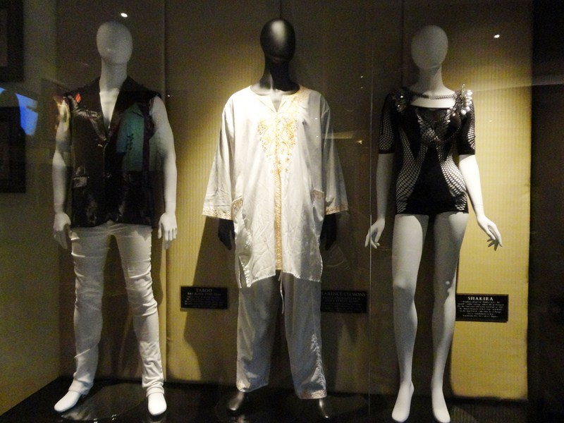 Outfits of Taboo, Clarence Clemons and Shakira