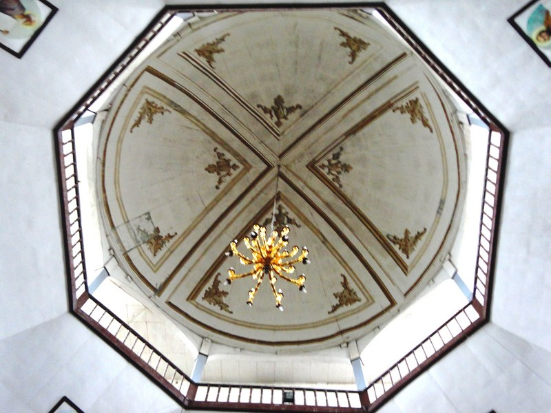 The dome above the altar