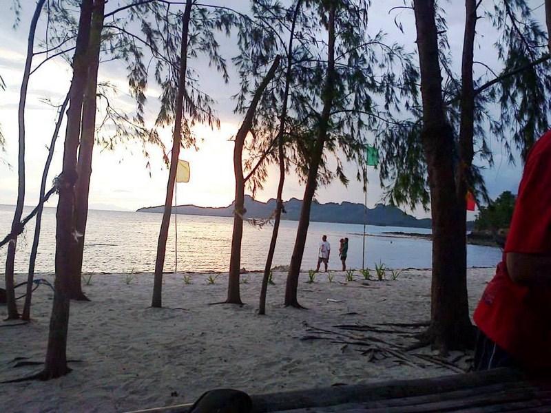 Dusk at Dampalitan Island