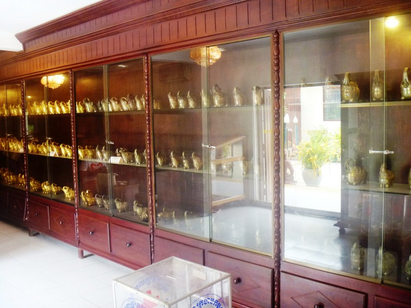 The Elephant Boxes Showroom in Gold, Silver, Brass, Marble and Wood