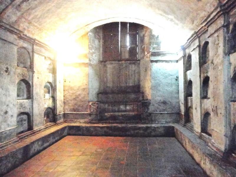 Underground crypt