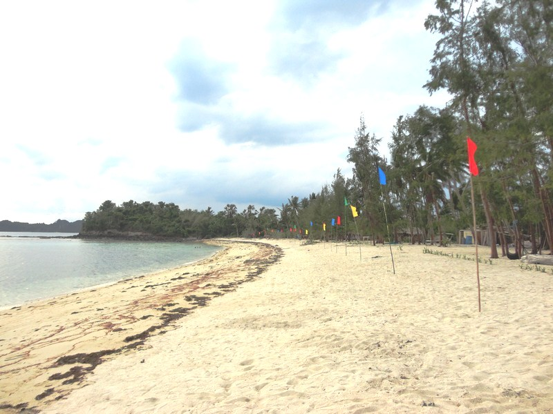 Western side of Dampalitan Beach