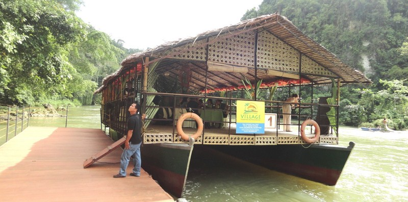 Floating restaurant of Village Floating Resto & Cruises