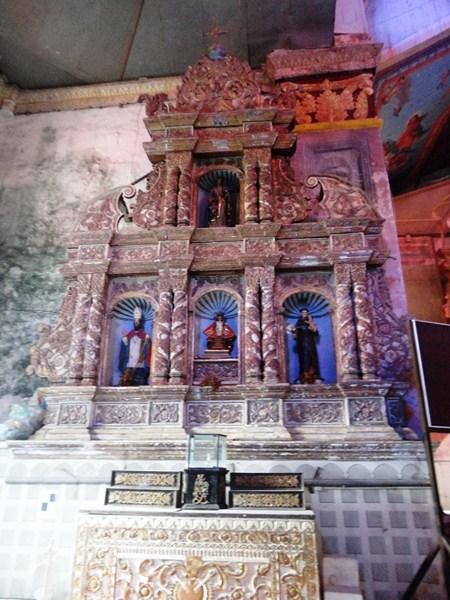 Left side altar
