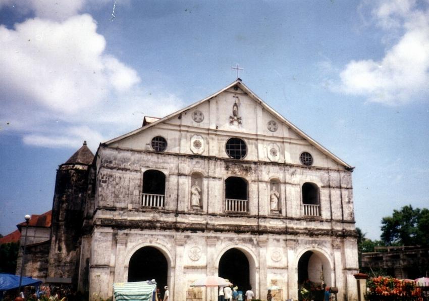 The church facade 11 years ago