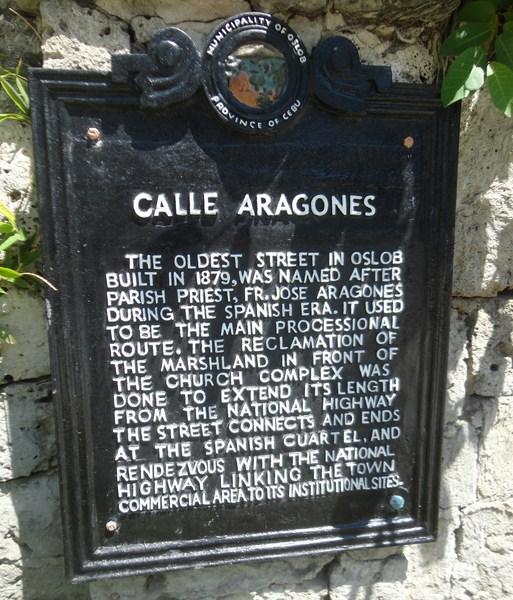 Calle de Aragones historical plaque