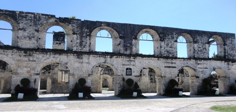 The cuartel's double row of arches