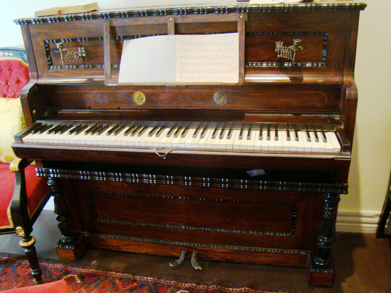 Nina's French piano (photo: www.tsinandali.com)