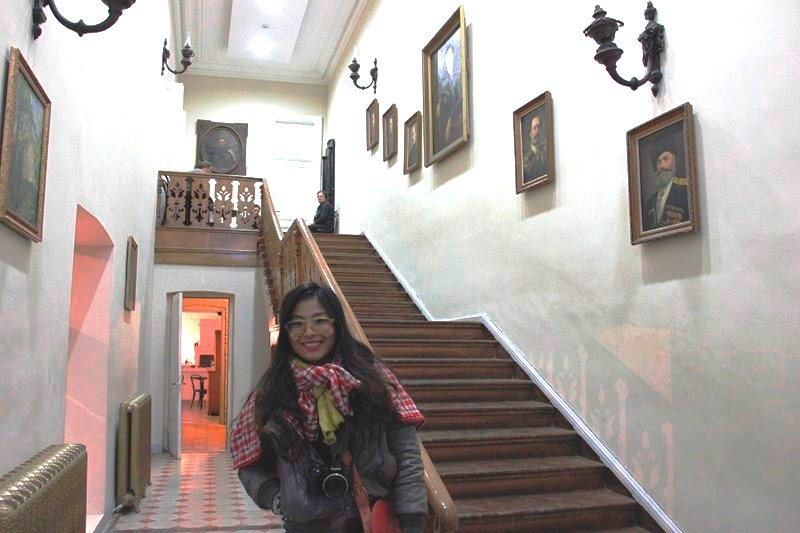 Melissa at the stairway (photo: Ms. Riva Galvestan)
