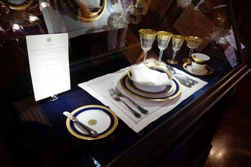 Table settings, in a regal royal blue accented with gold trim