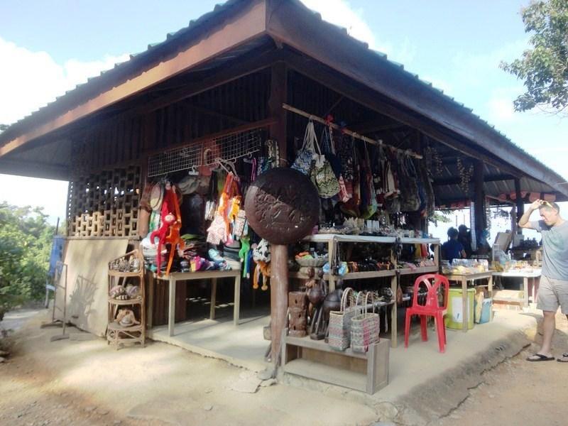 Eatery and souvenir shop