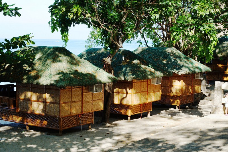 Airconditioned bamboo cottages