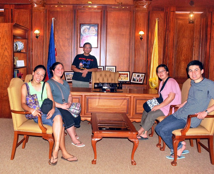 Cheska, Katrina, the author, Janet and Jandy at the Governor's Office