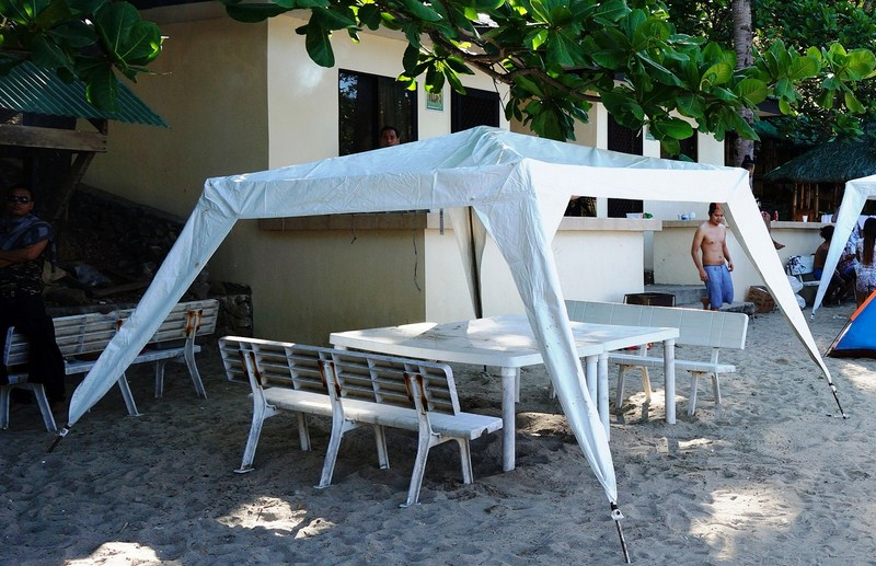 Monobloc picnic table and benches