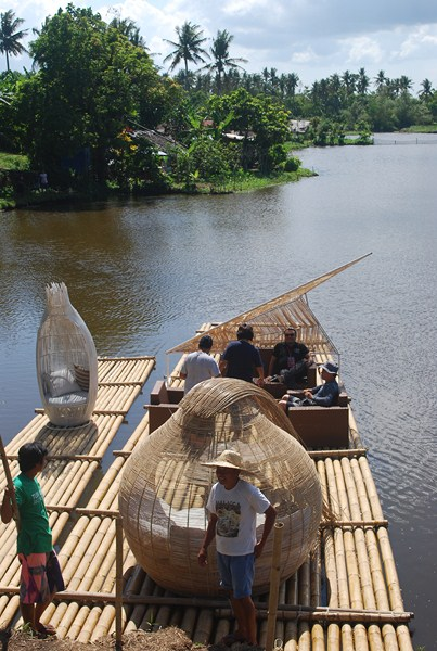 Boarding our nicely furnished bamboo rafts