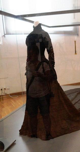 Black court dress of Empress Elisabeth