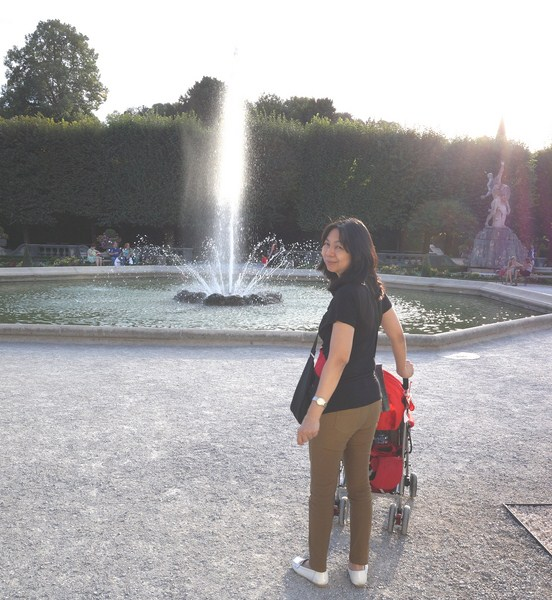 Grace at the Grand Parterre Fountain