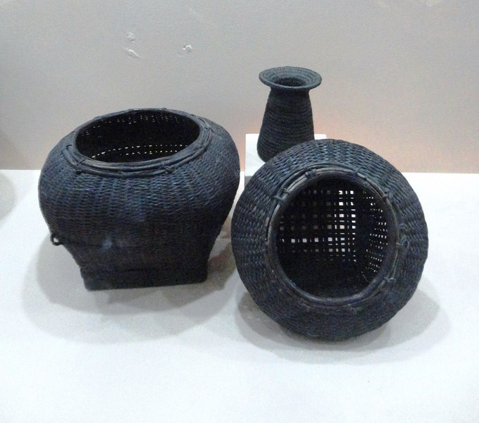 Baskets for gathering snails