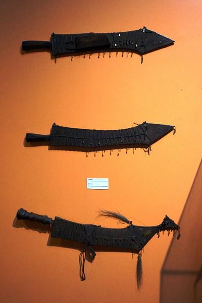 Ilongot machetes