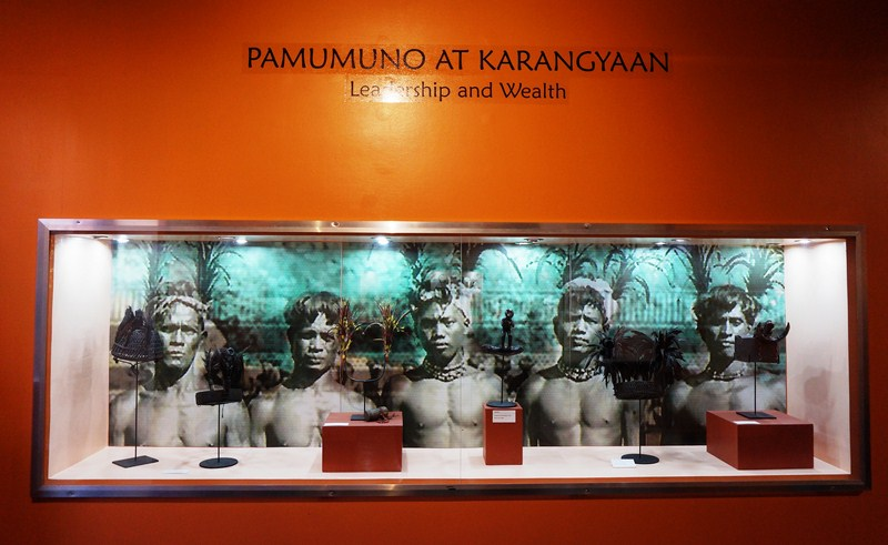Pamumuno at Karangyaan (Leadership and Wealth)