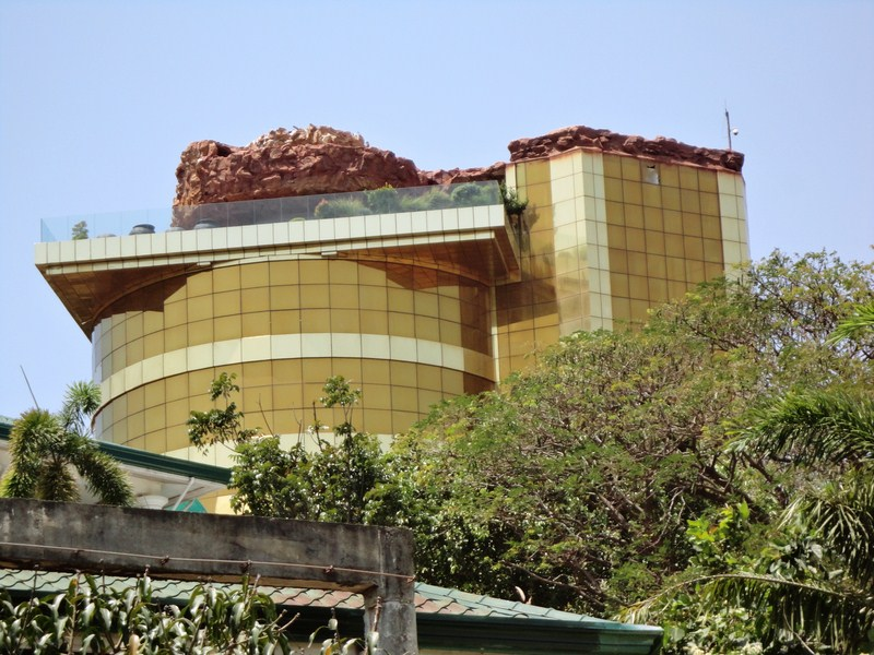 Singson's gold-clad resthouse