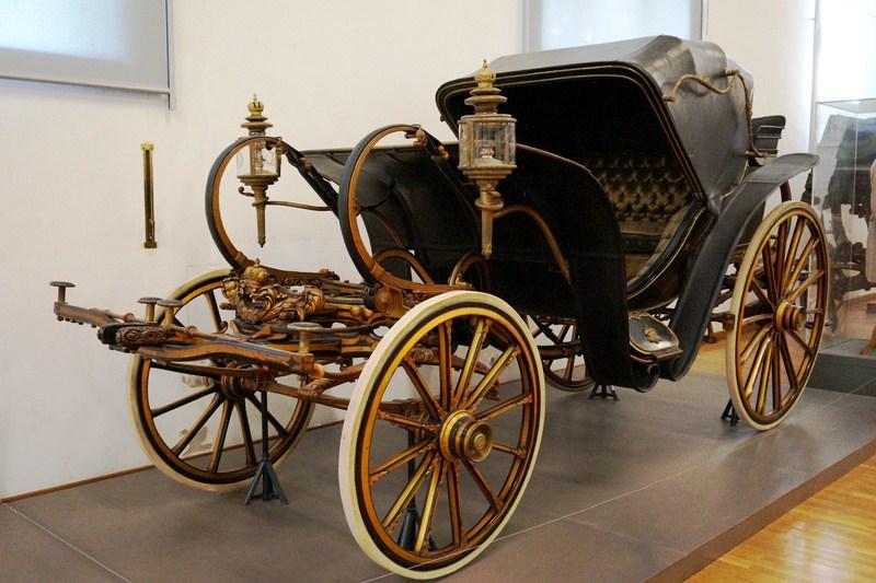 A 4-seater personal Calash a la Daumont