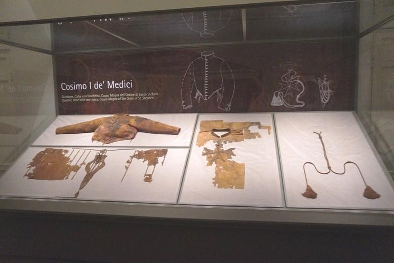 Cosimo I de' Medici funeral clothes