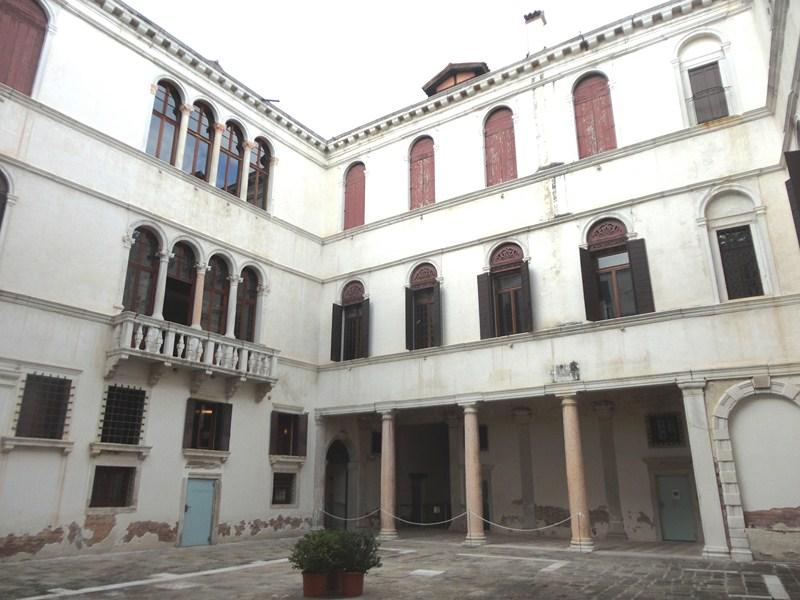 Courtyard o the palazzo