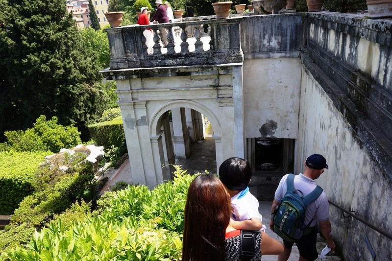 Descending into the garden from the villa