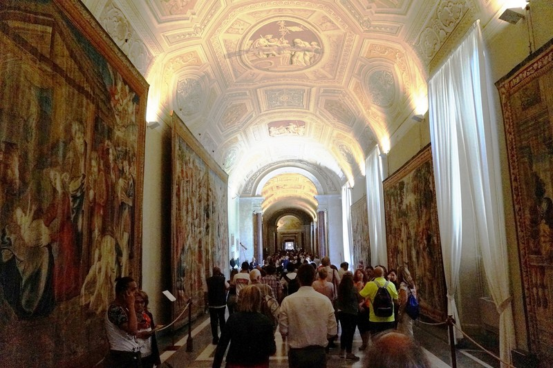 Gallery of Tapestries (Galleria degli Arazzi)