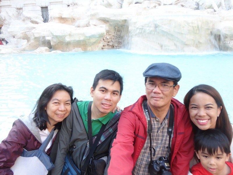 Grace, Jandy, the author and Cheska at Trevi Fountain