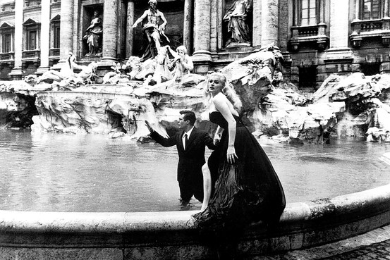 Trevi Fountain scene at La Dolce Vita