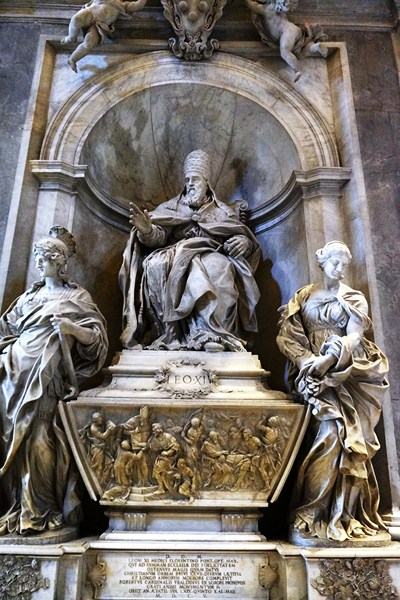 Monument to Pope Leo XI (Alessandro Algardi)