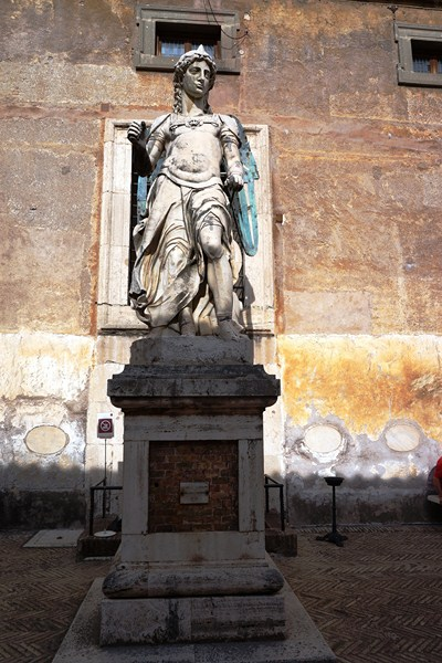 Statue of Michael the Archangel (Raffaello da Montelupo)