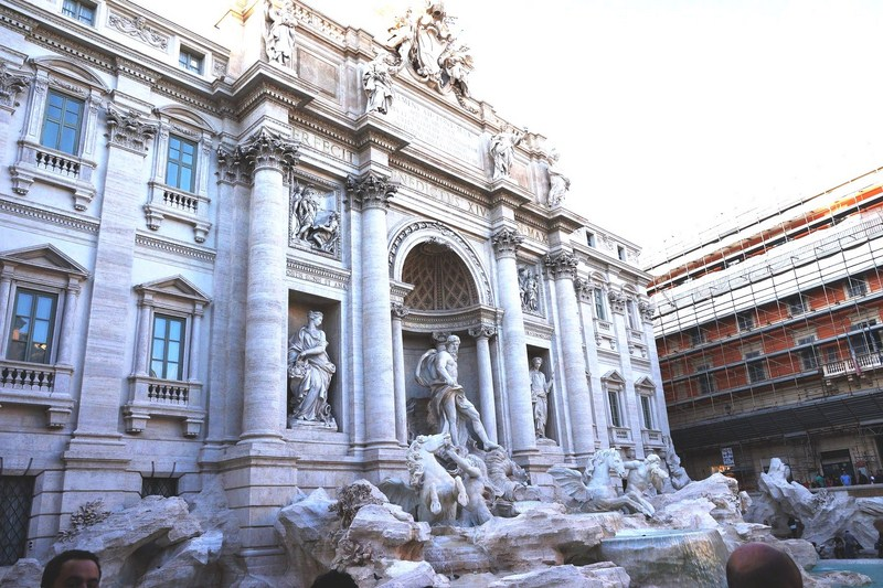 Palazzo Polli and the Trevi Fountain