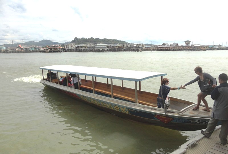 The modern-looking, 20-pax bot penambang (covered water taxis)